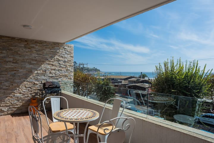 Captain's Cove-1BR with Ocean View, Parking & Wifi