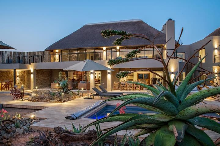 Elephant Point  - Thanda Lodge