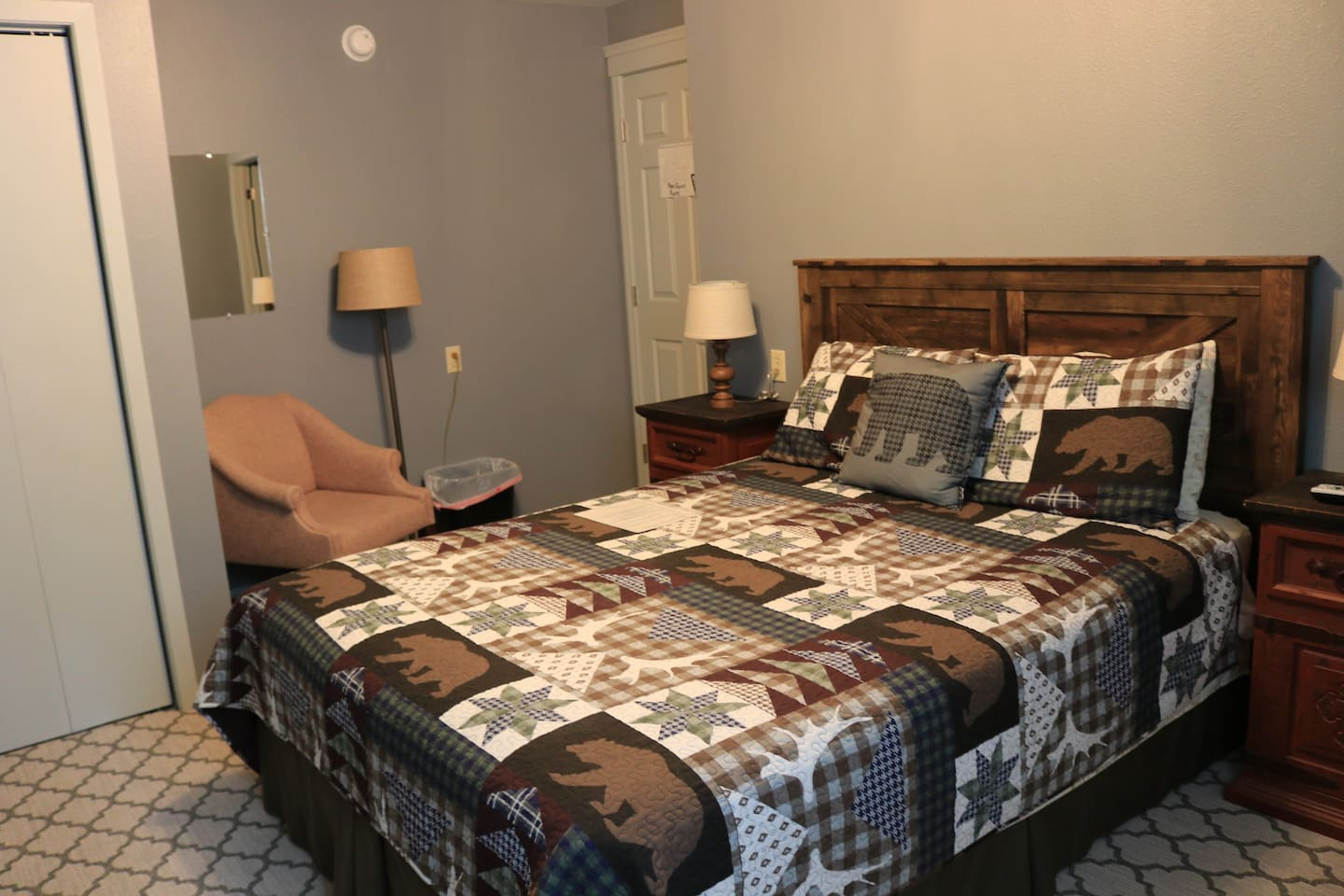 Room 6 is a cozy room perfect for a quiet get away. Room has a queen bed, 2 chairs for sitting, TV and in-suite bathroom.