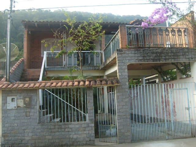 House in Mambucaba, Angra dos Reis - アングラ ドス レイス - 一軒家