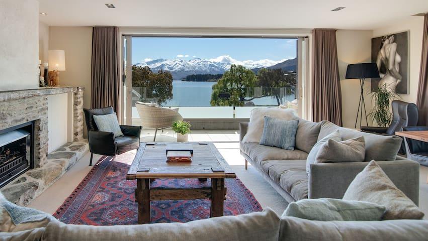 Ardmore Street Luxury Apartment