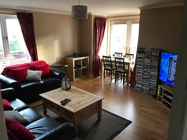 Double Room in a homely flat in Edinburgh - Эдинбург - Квартира