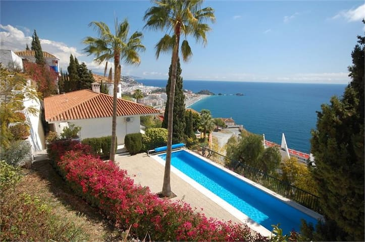 Stunning Private Retreat with Views & Pool - Almuñécar - Villa