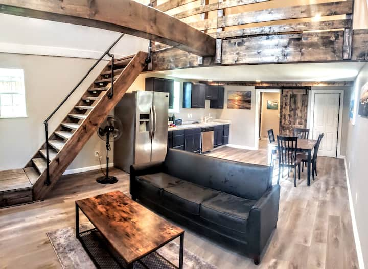 Folly Beach Loft Apartment - Totally Private