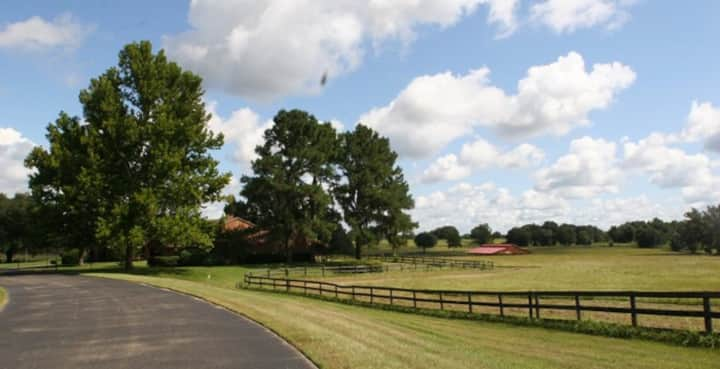 2-Bedroom Furnished Townhome on a Horse Farm