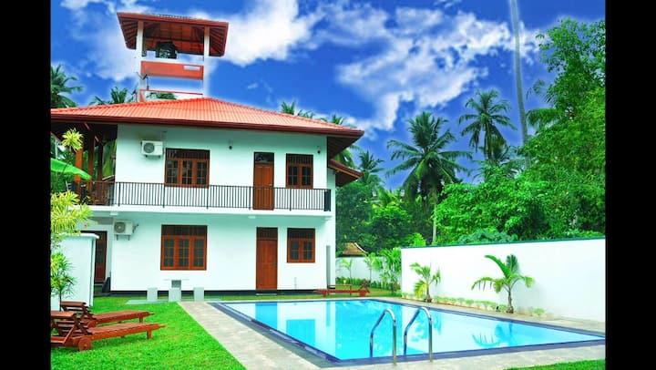 Luxury Private Villa / Outdoor Pool / BNB 8P