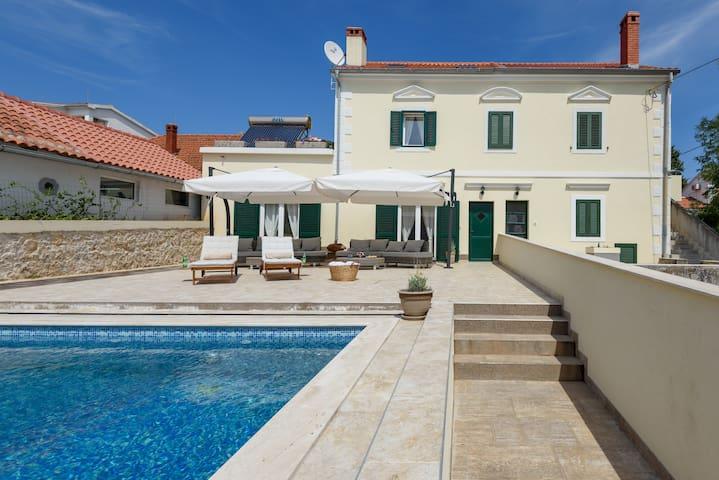 Villa Elen -  Ist island - Ζαντάρ - Βίλα