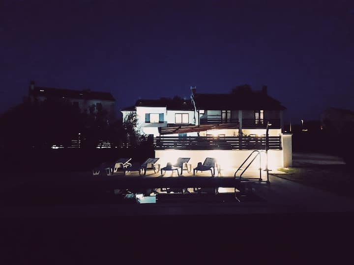 Apartman MOON🌙 (15km from Rovinj/from the sea)