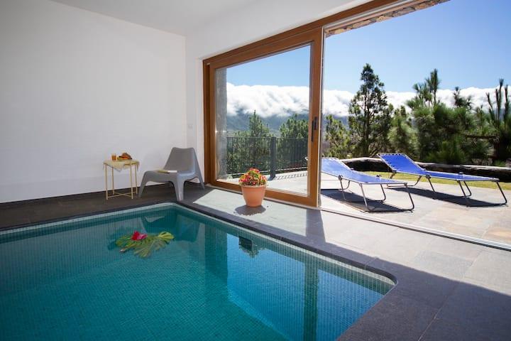 La Hilera, piscina climatizada, vistas increibles
