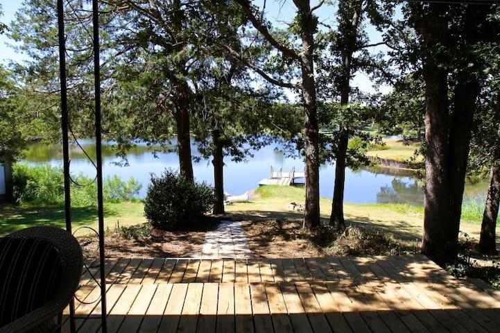 Twin Lakes Hideaway
