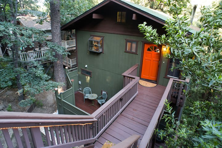 The Great Escape to a modern Mountain Retreat - Crestline - Hus
