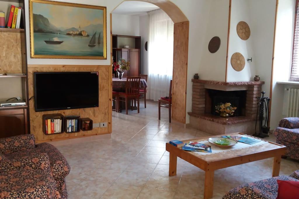 flat 120 mq: sitting and dining room, 3 bedrooms, Kitchen, bathroom