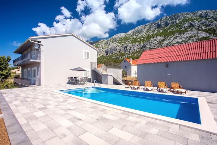 New! Apartment Family dream with private pool