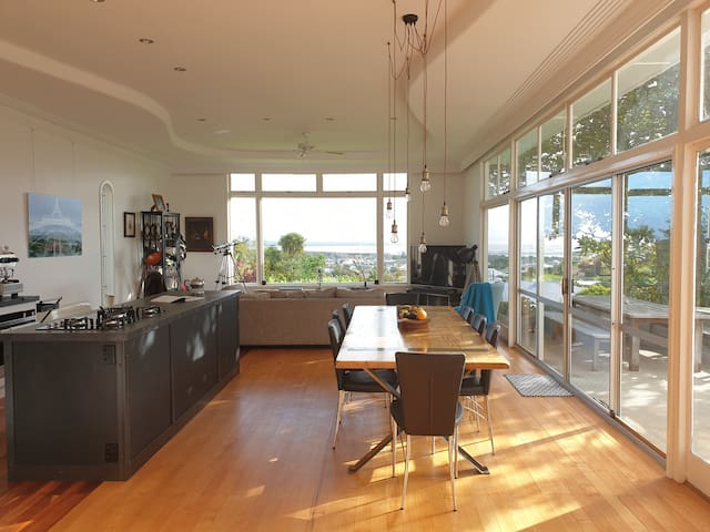 Thames Home with a Stunning View