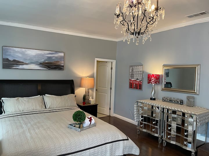 Beautiful Suite with private entrance
