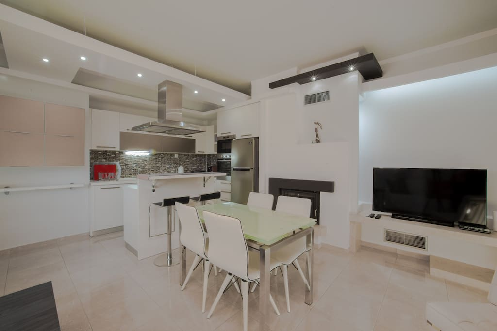 First floor, living room- kitchen. 1й- этаж зал- кухня. 1ος όροφος σαλόνι- κουζίνα