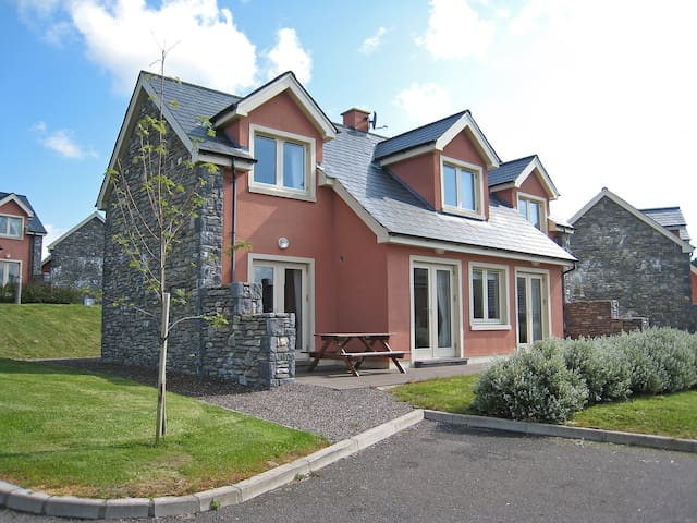 Ring of Kerry Cottages - 400-2