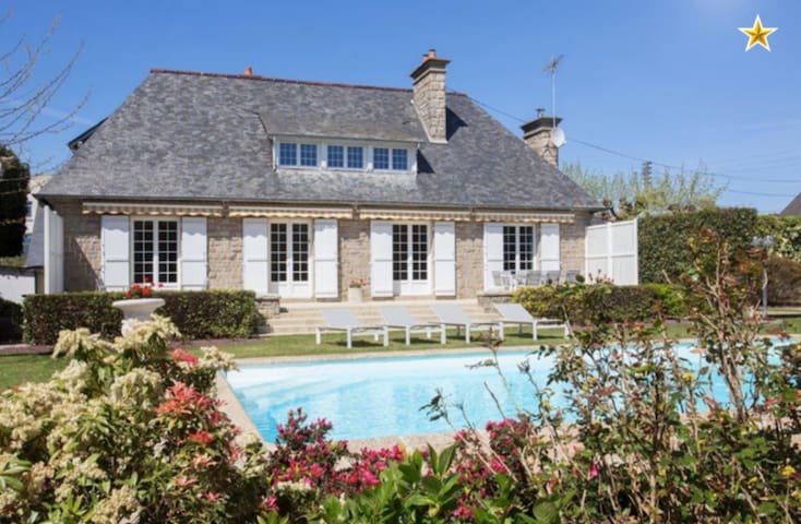 *NOUVEAUTÉ - Villa 260 M2 - piscine chauffée - Saint-Malo - Villa