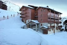 Ski the pistes and return to this lovely residence.