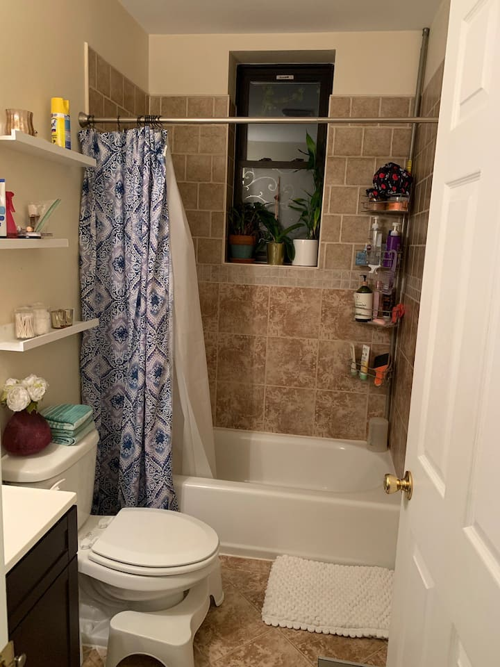 Private Bed/Private Bath - Minutes from NYC!