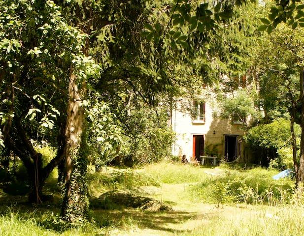 Maison confortable et paysagée à 1h de Paris - Lorrez-le-Bocage-Préaux - Дом