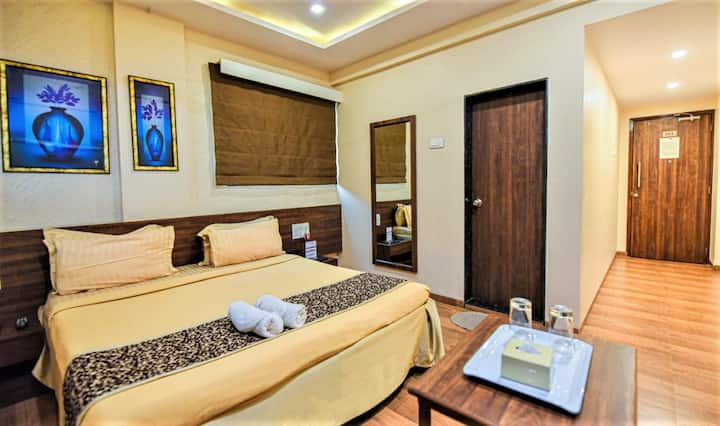 Executive Deluxe Room At Maratha Residency