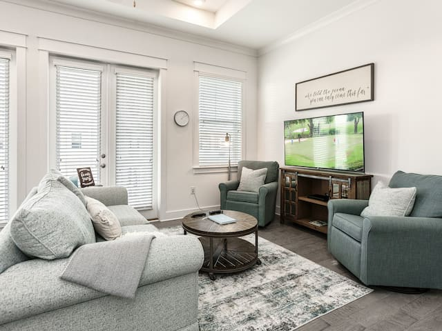 Luxe 2BR w/ Pool, Quick Ride to Beach