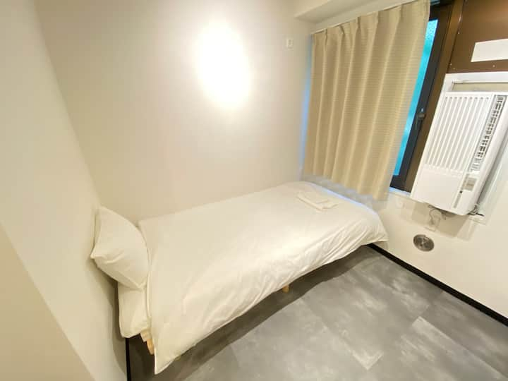 1min from Station/Newly renovated/Free Wifi/102