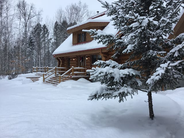 Mont Tremblant chalet with beautiful mountain view