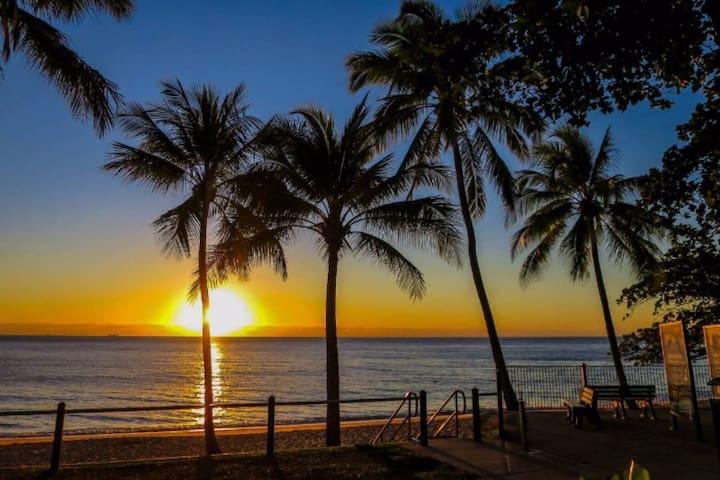 Trinity Beach - a superb beach-side experience! - Trinity Beach