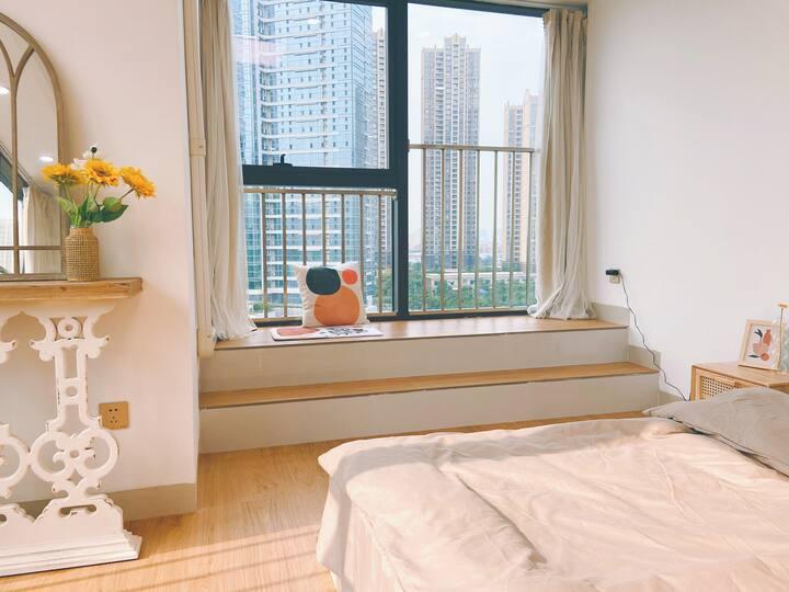 「维度8号」公寓 星巴克教堂 金融高新区 千灯湖 万达 新凯广场 宜家家居 邻近地铁步行只需5分钟