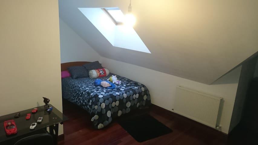 Ático en el Centro del Pais vasco - Abadiño - Apartamento