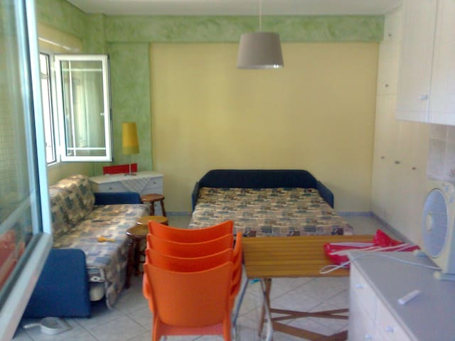 Ισογειο στουντιο στο Σαράντη Βοιωτίς, 150μ παραλία - Viotia - Appartement