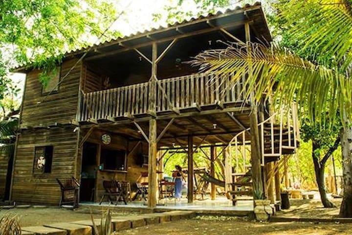 casa en playa Quizala, - San Rafael del Sur - Blockhütte