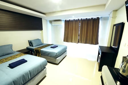 AYX  SUPERIOR TWIN ( ROOM ONLY ) - Phra Nakhon Si Ayutthaya - Bed & Breakfast