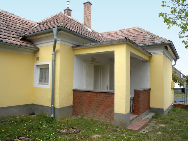 House for 4 persons in Balatonkeresztúr R45484
