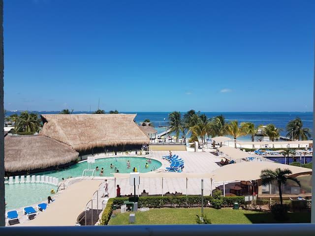 HOTEL ZONE - OCEAN VIEW ROOM #326