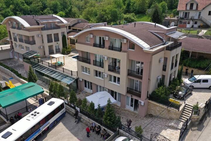 Sunny Hill Apartments & Aqua Park app/3