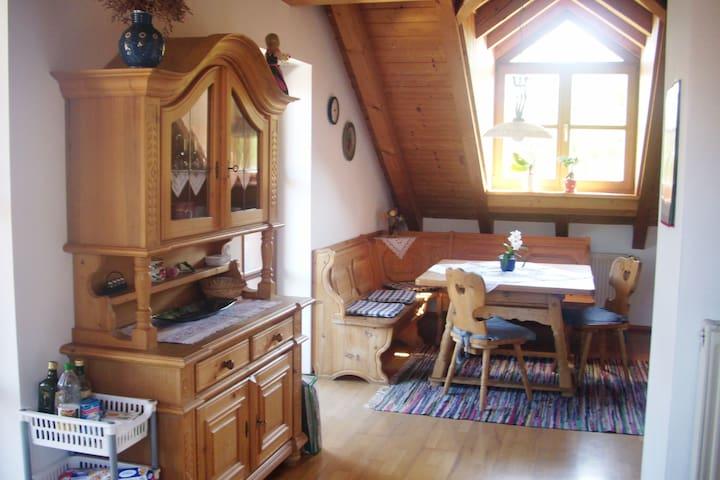 Ferienwohnung mit ländlichem Charme - Tutzing - Daire