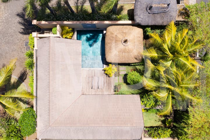 Oasis1,no5 for 2 p, total privacy on pool/garden