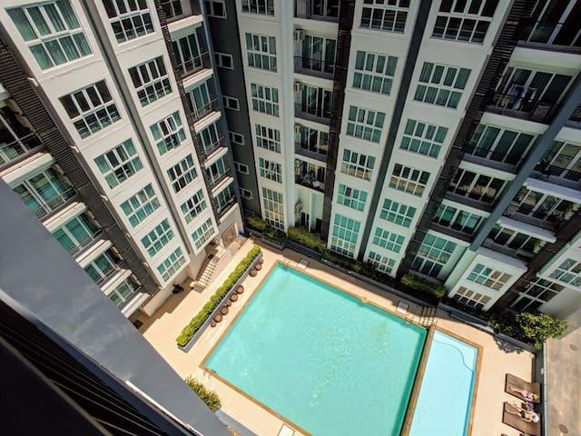 清迈市中心PRIO豪华景观公寓;一室一厅双床豪华双床房,尚泰购物商城旁,步行至商场,夜市,靠近古城