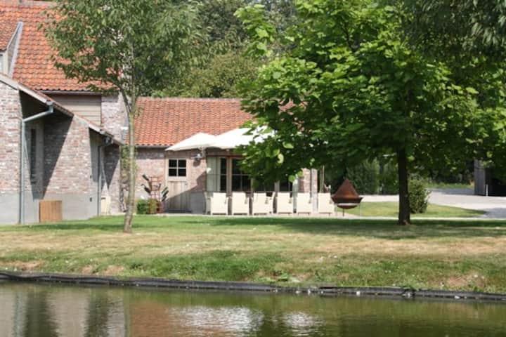 Rural farmstead 'De Waterhoeve'