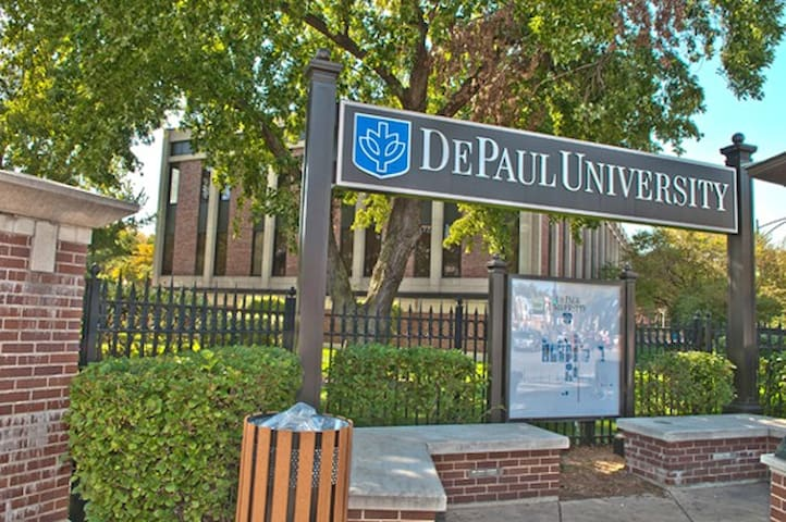 DePaul University is just 4 minutes away(0.7 miles) from the property!