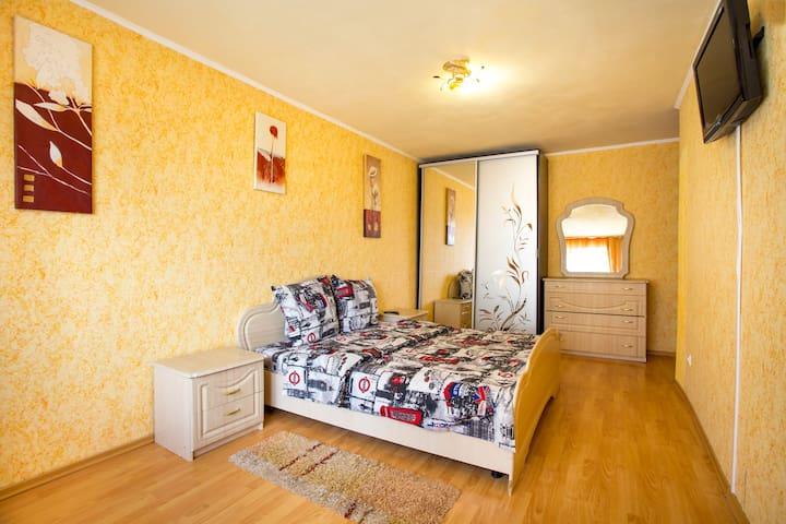 2 bedroom Apartment on Admiralskaya