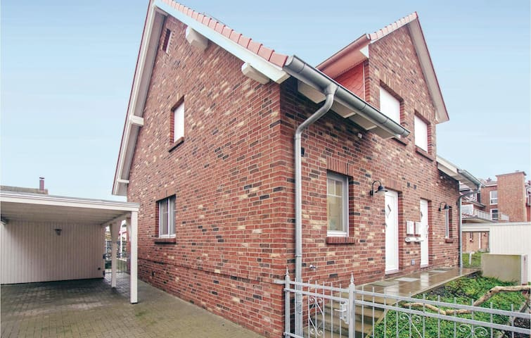 Semi-Detached with 4 bedrooms on 80m² in Insel Poel/Timmendorf