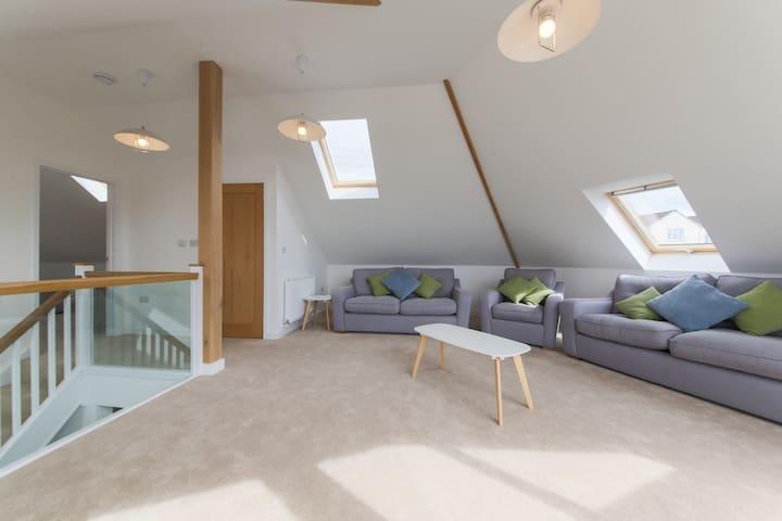 ELYN - Newquay - House
