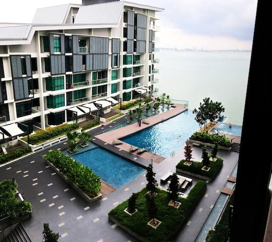 Affordable Waterfront Resort // 3 Bedrooms (7 pax) - Gelugor