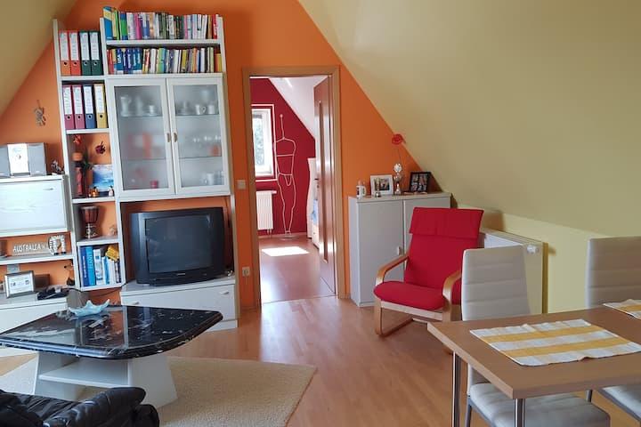"""Ferienhaus Hildegard (Muhr am See), Ferienwohnung """"Willkommen am Altmühlsee"""" 2Zi-Whg mit großem Garten"""