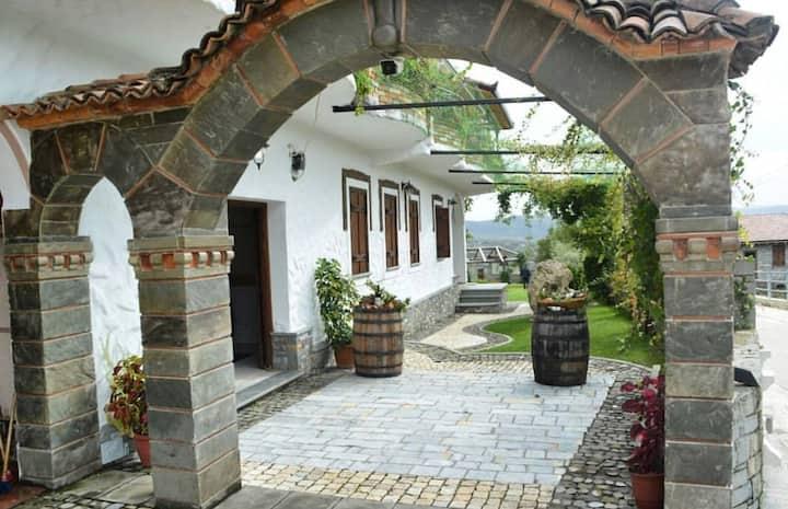 Agro tourism Alpeta Roshnik