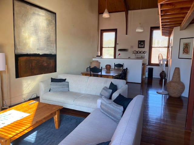 Caledonian loft apartment in Fremantle